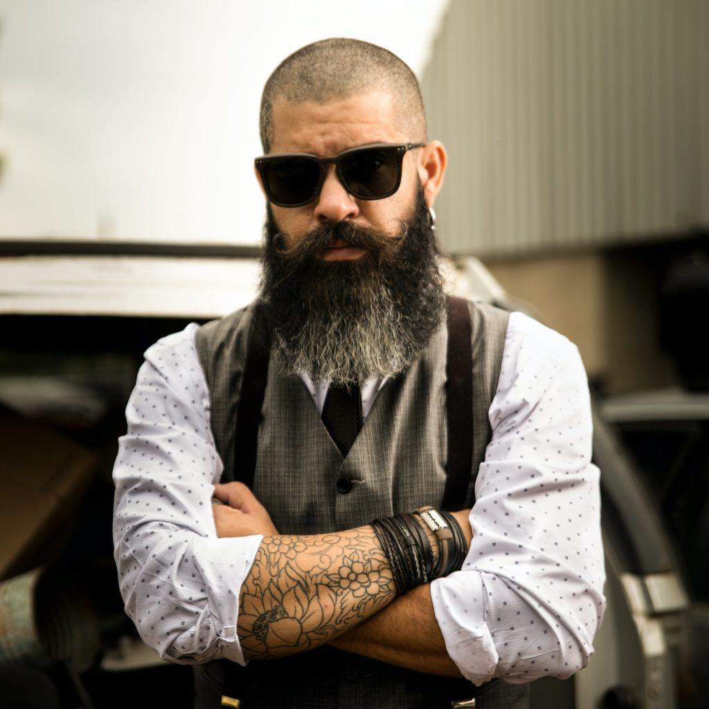 Entretien d'embauche et barbe